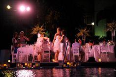 Image from http://www.feteperfection.com/blog/wp-content/uploads/2011/02/Ritz-Carlton-Wedding-1.jpg.