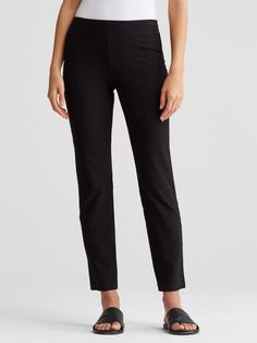 9-inch rise, 28 1/2-inch inseam (size small).   Model features is 5'10