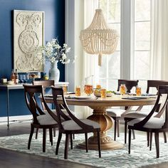 20 Gorgeous Rug Ideas for Your Kitchen Kitchen Rug, Kitchen Flooring, Rustic Kitchen, Upholstered Dining Chairs, Dining Furniture, Dining Rooms, Expandable Round Dining Table, Beaded Chandelier, Elegant Dining