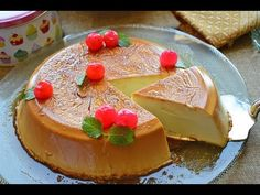 Flan de queso - ¡SIN HUEVOS, SIN HORNO y muy fácil! - YouTube Easy Cheesecake Recipes, Cheesecake Bites, Lemon Cheesecake, Chocolate Cheesecake, Pumpkin Cheesecake, Dessert Sans Four, Cheesecake Decoration, Biscuits, Christmas Cheesecake