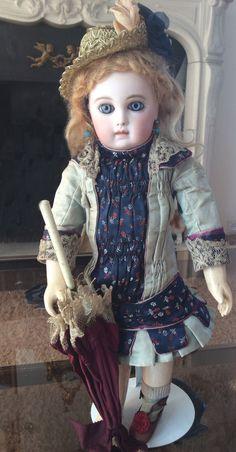 """Моя статья об оригинальных кукольных костюмах была опубликована в последнем номере журнала """"Антикварная кукла"""". Повторяю ее здесь, в своем блоге, с немного…"""