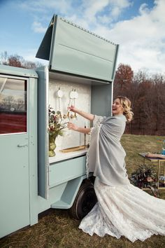 Prosecco trailer/beverage trailer from Hudson Trailer Co. for fall/outdoor wedding. Country Style Wedding, Farm Wedding, Wedding Tips, Food Truck Wedding, Vineyard Wedding, Wedding Photos, Wedding Planning, Prosecco Bar, Mobile Business