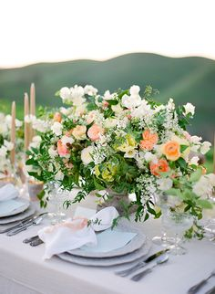 spectacular garden rose and sweet pea arrangement by Kelly Kaufman Design, styling by Joy Proctor Design