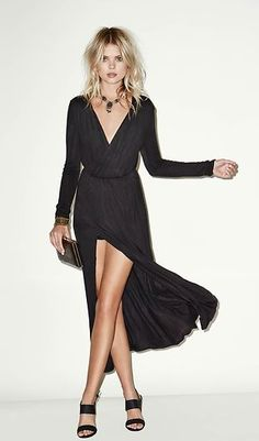 black jersey knit maxi dress   -  http://www.dailylook.com/p/Girl-And-The-Sea/Jersey-Knit-Long-Sleeve-Maxi-Dress/109120.html