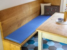 die besten 25 bankauflage ideen auf pinterest kinderbank diy duschsitze und ebenerdige. Black Bedroom Furniture Sets. Home Design Ideas