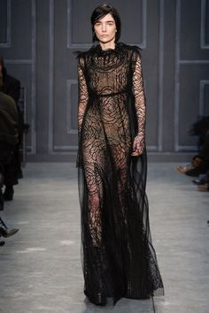 Fall 2014 Trend Reports - The Illusionists - Vera Wang