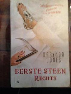 Deel 1 van trilogie. Deel 2 bestaat ook in NL, 3 (nog) niet. Meerdere delen wel verkrijgbaar in Engels. Leuk boek!