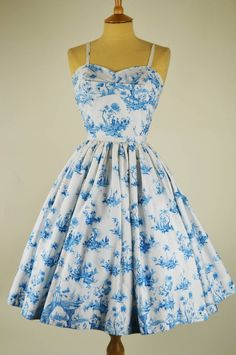 Vintage dress by horrockses willow pattern with bolero mela mela vintage sh Vintage Fashion 1950s, Vintage 1950s Dresses, Retro Dress, Vintage Outfits, Vintage Clothing, Vintage Ladies, Vintage Prom, Vintage Sewing, Pretty Outfits