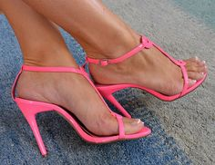 High Heels Shoes Fashion: pink heels