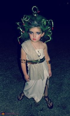 Homemade Medusa Costume (lol this child is perfect)
