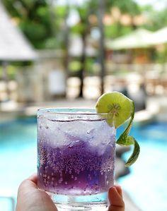 A refreshing toast to another perfect day in Bali🥂🍾 Cheers!   #thetanjungbenoabeachresortbali #thetanjungbenoa #TheTaoBali #bali