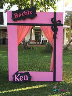 Barbie Theme Party, Barbie Birthday Party, 5th Birthday Party Ideas, Birthday Fashion, Doll Party, Birthday Party Decorations, Barbie Decorations, 7th Birthday, Photo Booth