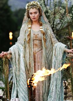 fuckyeahcostumedramas:Sophia Myles in 'Tristan & Isolde' (2006).