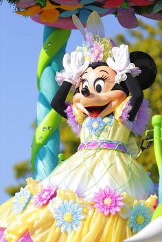 Minnie in a Spring dress