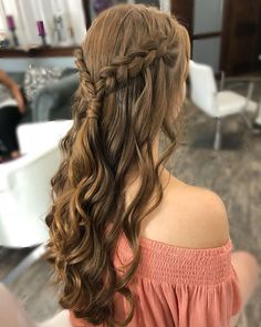 25 Stunning Prom Hairstyles for Short Hair : Trendy Prom Hairstyles Prom Hair gradua Hair Hairstyles Prom Short Stunning trendy Long Braided Hairstyles, Braided Prom Hair, Prom Hairstyles For Short Hair, Box Braids Hairstyles, Trending Hairstyles, Hair Ponytail, Summer Hairstyles, Hairstyle Ideas, Hairstyles For Graduation