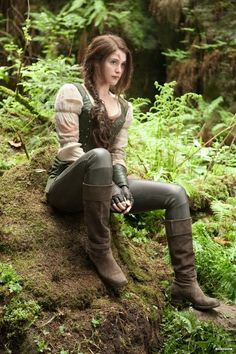 "Female ranger The softer of two costumes for Gemma Arterton as ""Gretel"" in the 2013 movie, ""Hansel & Gretel: Witch Hunters. Medieval Costume, Medieval Dress, Medieval Clothing, Renaissance Fair Costume, Medieval Pants, Medieval Outfits, Medieval Witch, Medieval Girl, Viking Costume"