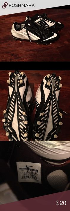 Nike football vapor speed cleats. Size 7 boys. Nike football vapor speed cleats. Size 7 boys. These DO NOT have an insole. You will need an insole. They were only worn for a week. Then my son decided he didn't like them. Very good condition besides the insole. Nike Shoes