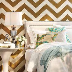 #спальня #дизайн #интерьер #интерьерспальни #декор #декорирование #дизайнинтерьера #обои #уютный #кровать #тон #рисунок #узор #вдохновение #идеи #kashtanovacom #interior #interiordesign #design #bedroom #decor #color