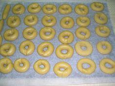 Rollos de huevo al horno | Alcoiama Blog: Cositas de andar por casa: RECETAS DE COCINA, FOTOS. Donuts, Brownie Cookies, Spanish Food, Flan, Doughnut, Candy, Baking, Sweet, Recipes