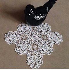 crochet elements for a napkin Crochet Square Patterns, Crochet Borders, Crochet Squares, Crochet Motif, Hand Crochet, Lace Doilies, Crochet Doilies, Crochet Tree, Russian Crochet