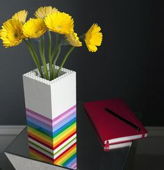Get creative with lego blocks that are no longer played with. You can use them in unique and crafty ways to add a dose of colourful fun to a home. The flower vase [above] is just one of the crafty ways to re-purpose lego blocks. Lego Projects, Cool Diy Projects, Lego Duplo, Lego Ninjago, Legos, Deco Lego, Lego Flower, Lego Decorations, Inner Child