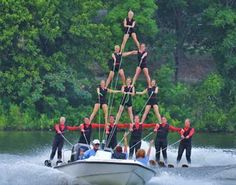 Oldsmar (W of Tampa): Tower Lake at 130 Burbank Road Tampa Bay Water Ski Show Team presents a FREE water ski show every weekend featuring barefoot, jump, ballet, adagio, pyramid acts and more.