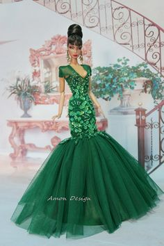 Green Gown, Amon-Design from Thailand, Couture Fashion, Royalty Silkstone Barbie Gowns, Barbie Dress, Barbie Clothes, Fashion Royalty Dolls, Fashion Dolls, Couture Fashion, Couture Dresses, Fashion Dresses, Barbie Party