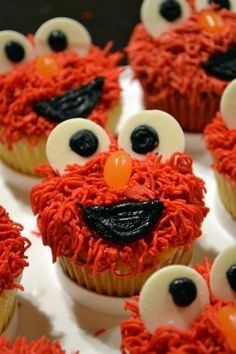 Elmo. Cup cake for kids
