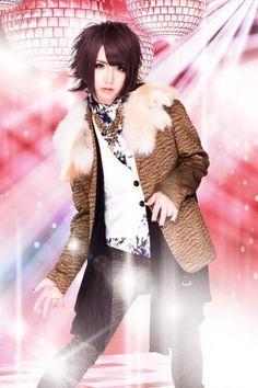 Vocals: Rey (澪) ASTARIA