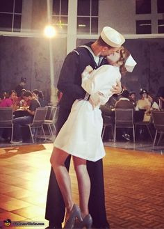 Kissing the War Goodbye - 2015 Halloween Costume Contest via Costume Works Duo Costumes, Sailor Costumes, Best Couples Costumes, Couple Costumes, Costume Ideas, Kiss Costume, Nurse Costume, Halloween Costume Contest, Halloween Costumes For Girls