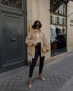 Classic Outfits, Stylish Outfits, Cute Outfits, Winter Fashion Outfits, Fall Winter Outfits, Winter Layering Outfits, Beige Blazer Outfit, Blazer Outfits Casual, Monochrome Outfit