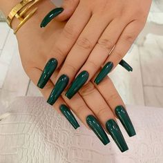 Square acrylic nails are exactly how they sound, they have a tapered square shape. To show you how fabulous these manicures can look, we have 23 designs. Blush Nails, Sparkle Nails, Square Acrylic Nails, Best Acrylic Nails, Acrylic Nails Green, Green Nail, Yellow Nails, May Nails, Rose Pastel