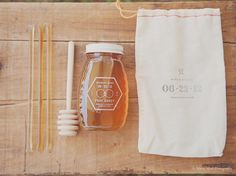 honey wedding favours - Anton's favourite thing...