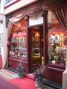 Beautiful entrance & shop front