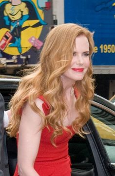 Nicole Kidmans strawberry blonde curls
