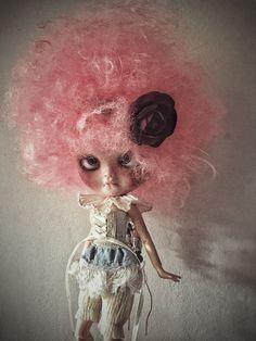 Un preferito personale dal mio negozio Etsy https://www.etsy.com/it/listing/502996465/lala-icy-doll-ooak-fashion-doll-pink