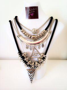 Collar plateado con multiples dijes y cadenas. Colección Rockaholic Winter. El Eslabón Perdido Accesorios