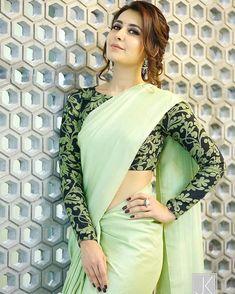 Long blouse designs for net sarees Saree Blouse Patterns, Sari Blouse Designs, Fancy Blouse Designs, Choli Designs, Blouse Back Neck Designs, Saree Jackets, Plain Saree, Indian Fashion Dresses, Ethnic Fashion
