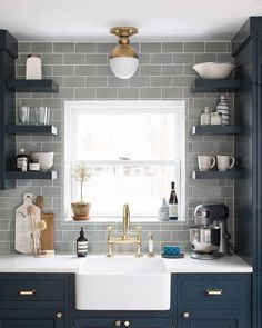 Best 50 Blue Kitchens – That you Need to See.The Best 50 Blue Kitchens – That you Need to See. Backsplash For White Cabinets, Blue Kitchen Cabinets, Grey Backsplash, Grey Cabinets, Kitchen Colors, Kitchen Backsplash, Backsplash Ideas, Brick Tiles Kitchen, White Counters