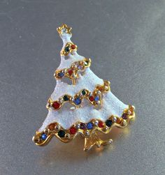 Rhinestone Christmas Tree Brooch Snow Covered by LynnHislopJewels