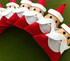 SALESweet Santa Brooch SET of 6 por claraiuribe en Etsy