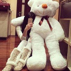 girl bear and luxury Huge Teddy Bears, Teddy Bear Day, Giant Teddy Bear, Teddy Girl, Costco Bear, Teady Bear, Giant Stuffed Animals, Teddy Bear Pictures, Teddy Photos