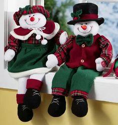 Felt Christmas Decorations, Snowman Decorations, Felt Christmas Ornaments, Plaid Christmas, Christmas Snowman, Christmas 2019, Christmas Crafts, Holiday Decor, Christmas Sewing