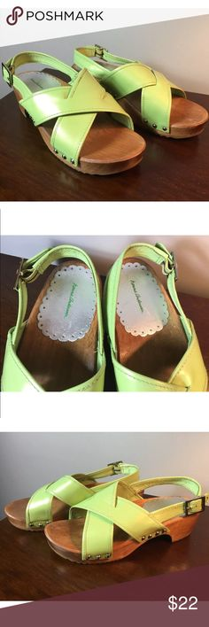 Hanna Andersson Green Leather Wooden Sandals 6.5 Like new condition Hanna Andersson Shoes Sandals