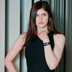 Those eyes off Alexandra Daddario hair, hairstyle, style, body, eyes Alexandra Anna Daddario, Berlin, Matthew Daddario, Everyday Hairstyles, Woman Crush, New Girl, Hollywood Actresses, American Actress, Lady
