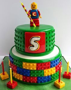 I made this Lego cake for my co-worker's son. He loves the Lego Movie, so I was asked to make a cake based on a picture that my co-w. 5th Birthday Cake, Lego Birthday Party, Girl Birthday, Birthday Ideas, Lego Cake Tutorial, Lego Torte, Lego Themed Party, Cake Blog, Cakes For Boys