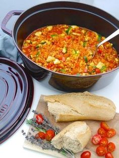 La Cocotte: Vegetable casserole with red & Recipe Dr. Alexa Ivan The post La Cocotte: Vegetable casserole with red Red Lentil Recipes, Veggie Recipes, Vegetarian Recipes, Healthy Recipes, Cena Paleo, Law Carb, Vegan Zucchini, Vegetable Casserole, Vegetarian Lifestyle