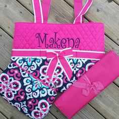 Such a pretty diaper bag for the new baby girl in your life ❤