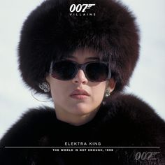 Sophie (And when you speak. Angels sing from above) James Bond Party, James Bond Theme, James Bond Characters, Female Characters, Villain Costumes, Character Costumes, Sophie Marceau James Bond, Aston Martin, 007 Woman