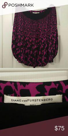 Diane Von Furstenberg silk blouse Silk Black and Magenta flowy blouse Diane von Furstenberg Tops Blouses